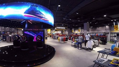 CURVED LED DISPLAY INSTALLATION IN SPORTS STORE IN DUBAI